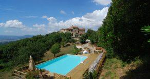 """Das Schloss"" mitten in Naturgebiet, Panoramablick, Swimmingpool – Micciano-Querceto, Pisa"